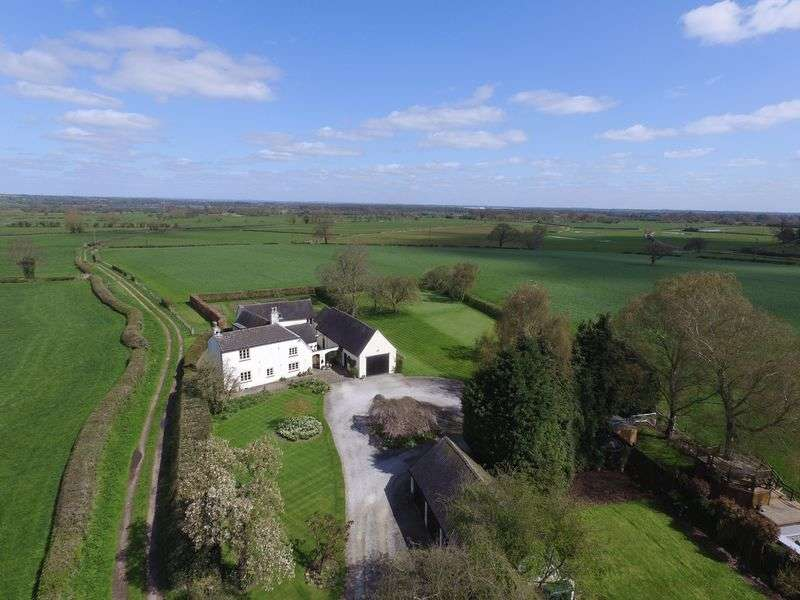 4 Bedrooms Detached House for sale in Coton-In-The-Clay, Staffordshire