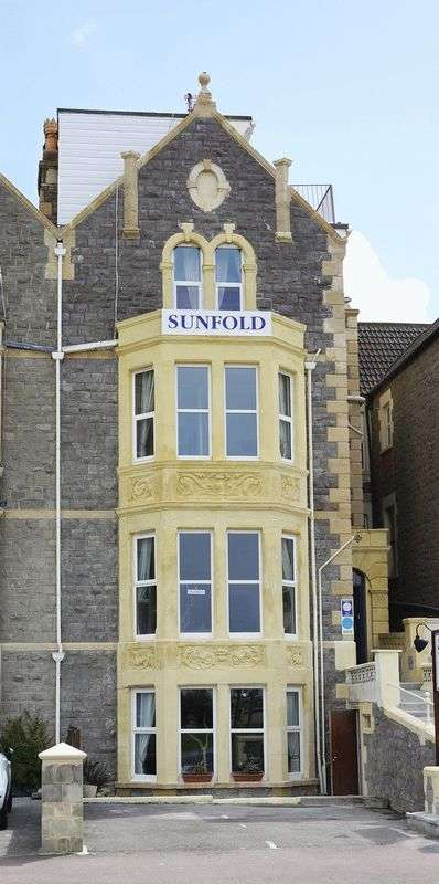 10 Bedrooms Property for sale in Substantial hotel with fine sea views