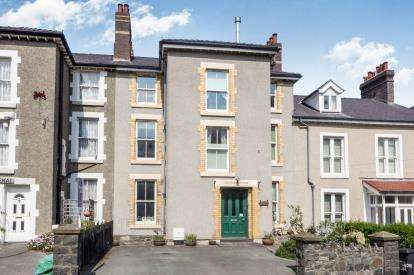 8 Bedrooms Terraced House for sale in Conway Road, Penmaenmawr, Conwy, North Wales, LL34