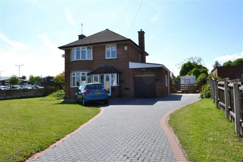 3 Bedrooms Property for sale in The Rake, Bromborough, Wirral