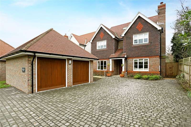 6 Bedrooms Detached House for sale in Gatehouse Lane, Burgess Hill, West Sussex, RH15