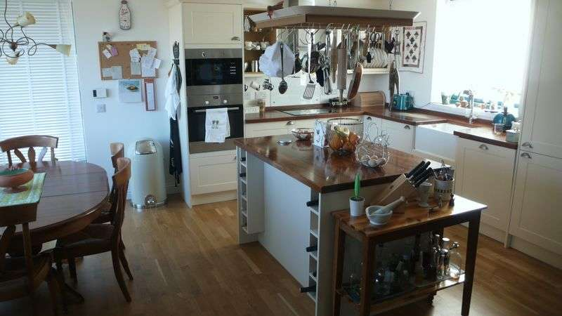 2 Bedrooms Detached House for sale in Camustianavaig IV51 9LQ