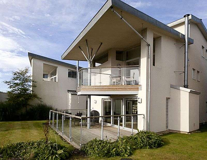 4 Bedrooms Detached House for sale in Lower Mill Lane, Cirencester