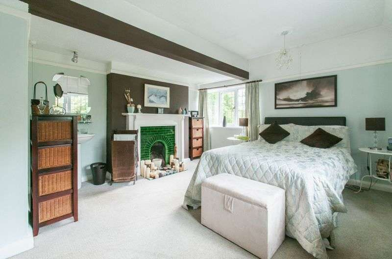 4 Bedrooms Detached House for sale in Caverswall Road, Stoke-On-Trent