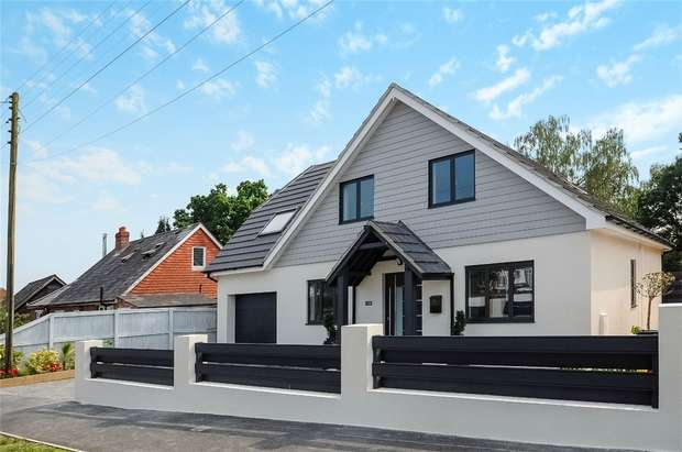 5 Bedrooms Detached House for sale in Allbrook, Hampshire