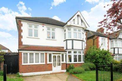 4 Bedrooms Detached House for sale in Bosgrove, Chingford, London
