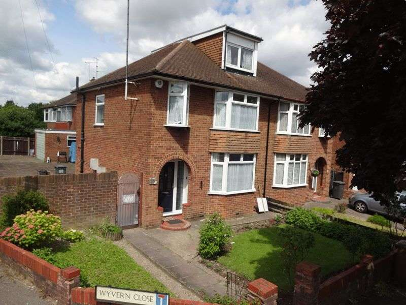 5 Bedrooms Semi Detached House for sale in Humberstone Road, Luton