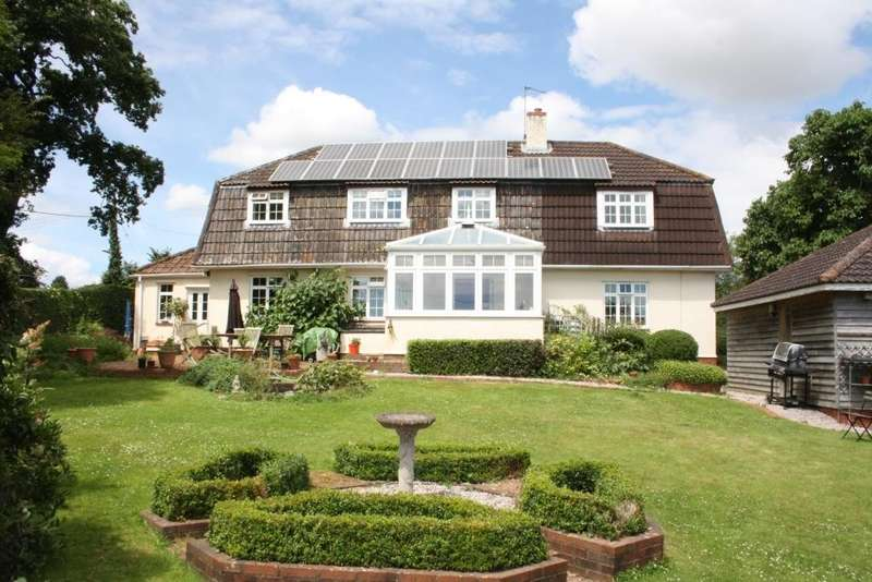 5 Bedrooms Detached House for sale in Woodbury, Exeter