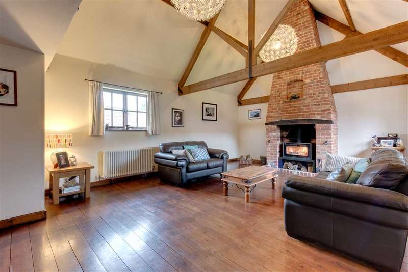 5 Bedrooms Barn Conversion Character Property for sale in 4 The Hall Barns, School Road, Stanford Rivers