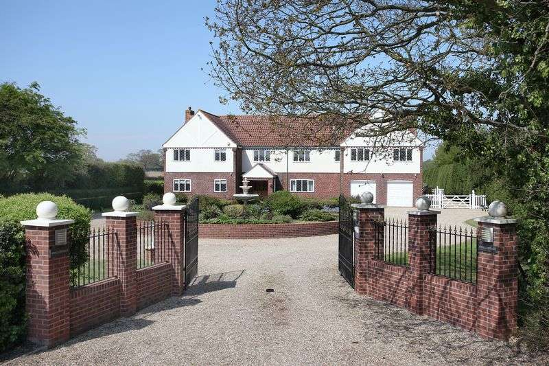 6 Bedrooms Detached House for sale in Smallburgh, Norwich