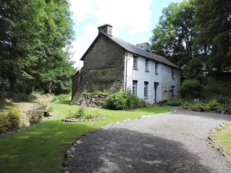 3 Bedrooms Property for sale in Llanybydder
