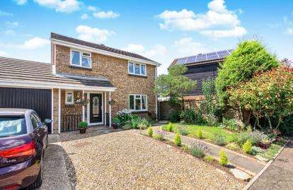 4 Bedrooms Detached House for sale in Westrope Way, Bedford, Bedfordshire