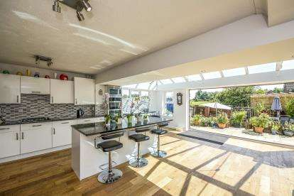 5 Bedrooms Detached House for sale in Mansart Close, Ashton-In-Makerfield, Wigan, Greater Manchester