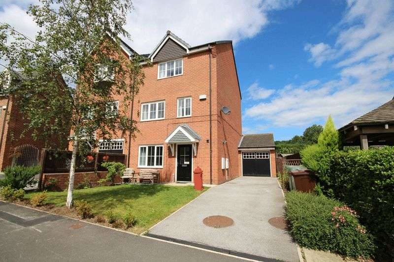 4 Bedrooms Semi Detached House for sale in Waggon Road, Leeds