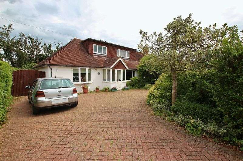 3 Bedrooms Semi Detached House for sale in Guildford, Surrey, GU2