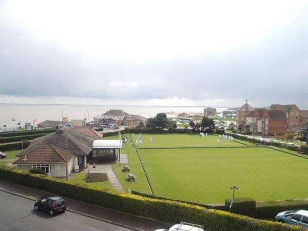 6 Bedrooms Apartment Flat for sale in Collingwood Green, Clacton on Sea