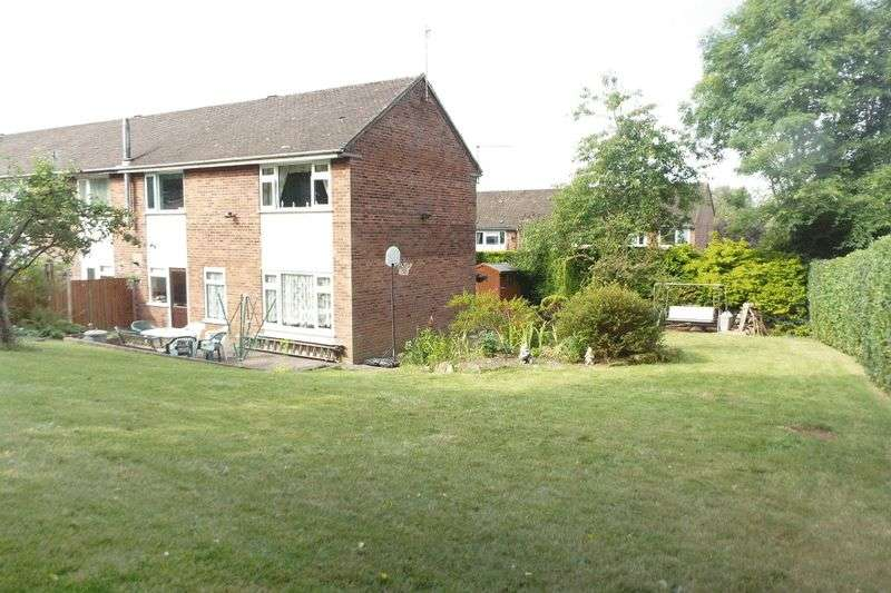 3 Bedrooms Semi Detached House for sale in Henley Close, Barlaston, Stoke-On-Trent