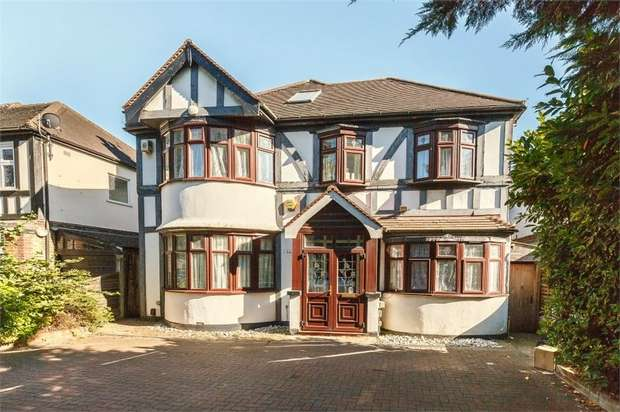 5 Bedrooms Detached House for sale in Roehampton Vale, London