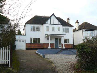 5 Bedrooms Detached House for sale in Galley Lane, Barnet
