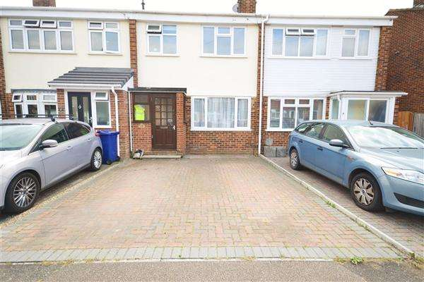 3 Bedrooms Terraced House for sale in Gideons Way, Stanford le Hope