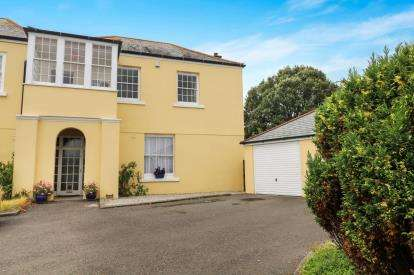 3 Bedrooms Semi Detached House for sale in Mountlea Country Park, Par, Cornwall