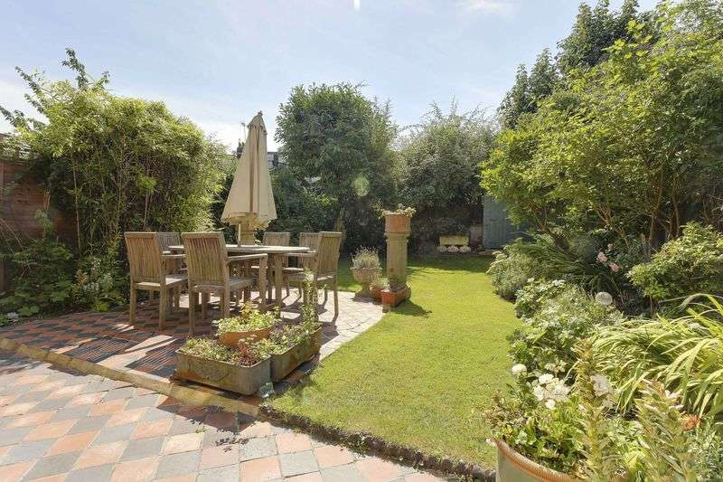 4 Bedrooms Semi Detached House for sale in Farrer Road, N8