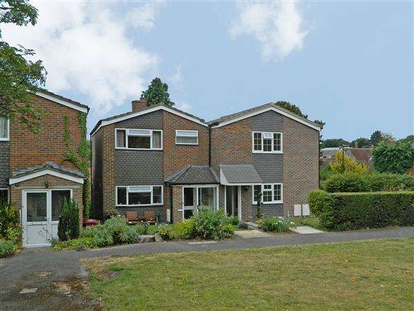 3 Bedrooms House for sale in Rosemary Close, Petworth, West Sussex, GU28