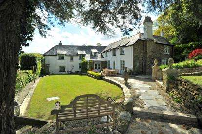 5 Bedrooms Detached House for sale in Torpoint, Cornwall