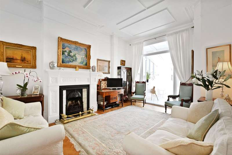 5 Bedrooms Semi Detached House for sale in Keyes Road, Mapesbury Conservation, NW2