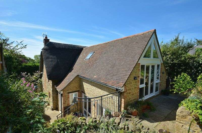 4 Bedrooms House for sale in Bicester Road, Long Crendon