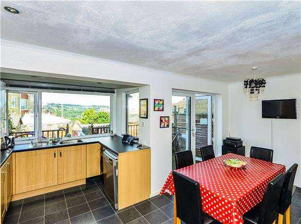 3 Bedrooms Terraced House for sale in Loxley Gardens, BATH, BA2 1HS