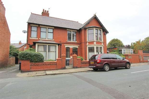 4 Bedrooms Detached House for sale in Harris Street, Fleetwood, Lancashire