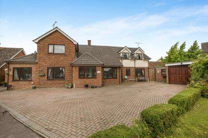 4 Bedrooms Detached House for sale in Tiptree, Colchester, Essex