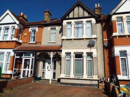 3 Bedrooms Terraced House for sale in Seven Kings, Ilford, Essex