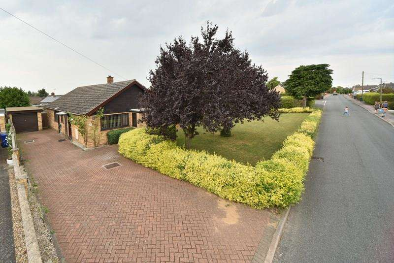 4 Bedrooms Detached Bungalow for sale in Highfields, Lakenheath, Brandon