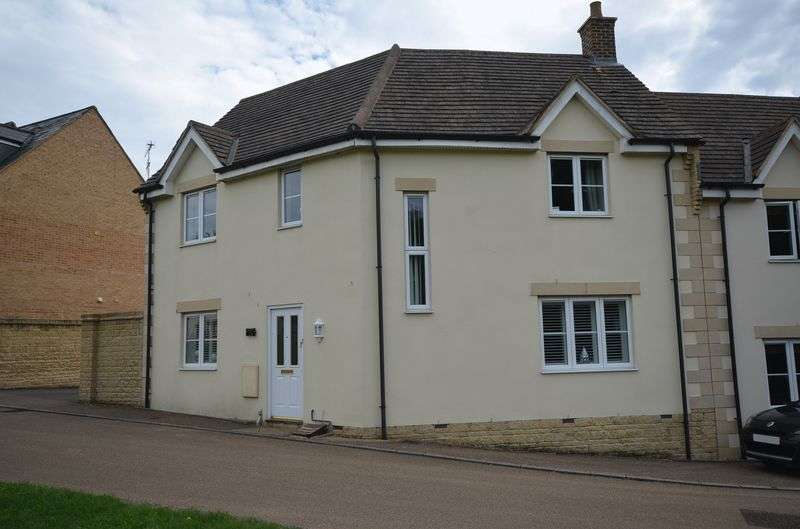 4 Bedrooms Terraced House for sale in Stocks Lane, Carterton