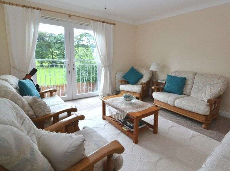 4 Bedrooms Detached House for sale in Manse Gardens, Galston
