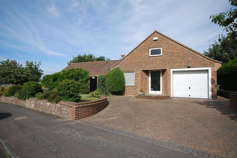 3 Bedrooms Detached Bungalow for sale in Sandgate