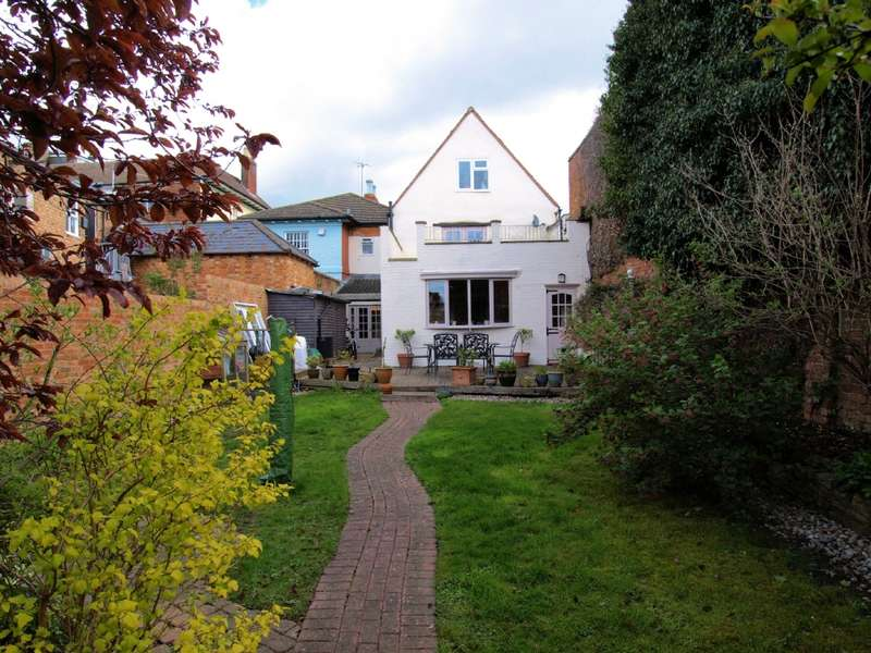 5 Bedrooms End Of Terrace House for sale in St John Street, Newport Pagnell, Buckinghamshire