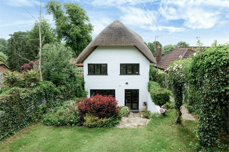 4 Bedrooms Detached House for sale in Church Road, North Waltham, BASINGSTOKE