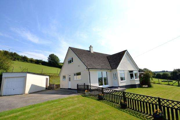 3 Bedrooms Detached House for sale in Frogwell Road, Callington, Cornwall