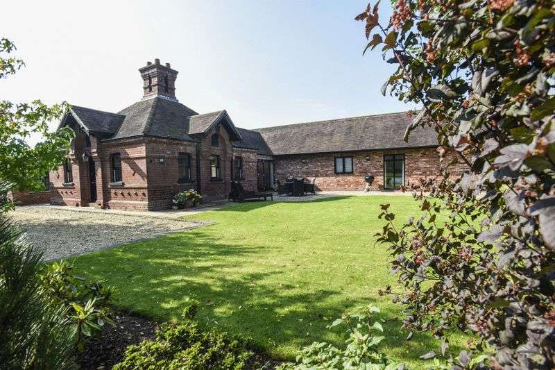 4 Bedrooms Detached Bungalow for sale in West Lodge, Thicknall Lane, Clent