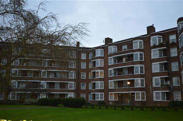 Flat in  Becklow Gardens  London  W12  Richmond