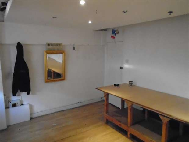 Commercial in  Hollybush Place  Bethnal Green  E2  East London