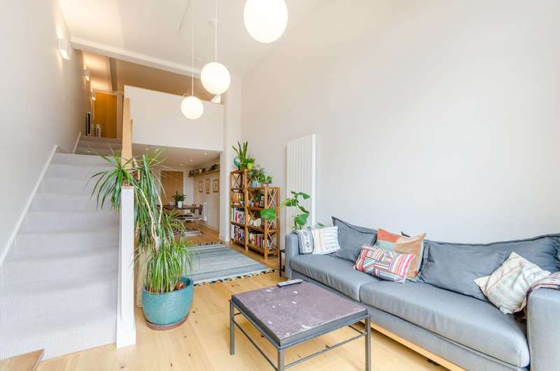 Flat in  Cowleaze Road  Kingston Upon Thames  KT2  Richmond