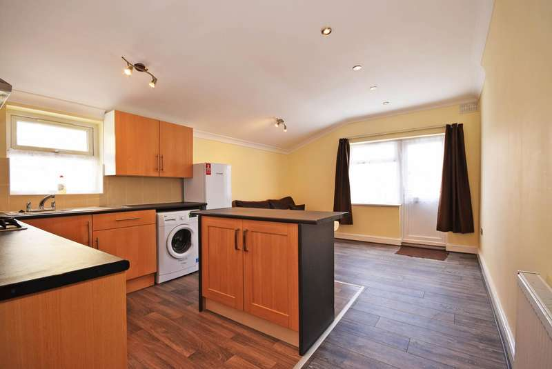 Flat in  Upper Tooting Road  Tooting  SW17  Richmond