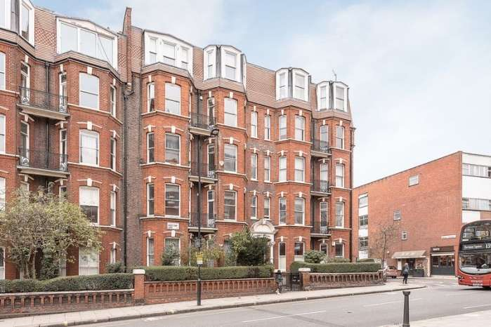 Flat in  West End Lane  Hampstead  NW6  Richmond