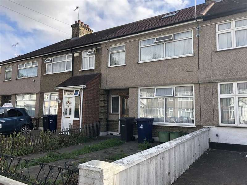 Terraced house in  Kingsbridge Crescent  Southall  Middlesex  UB1  Richmond