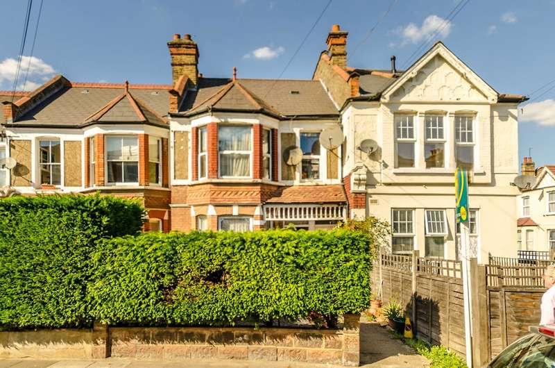 Flat in  Vant Road  Tooting  SW17  Richmond
