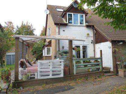 House in  Ruthin Close  London  NW9  Richmond